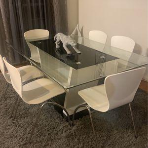 Dining room table for Sale in Woodbridge, VA