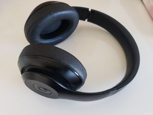 Beats studio wireless black color headphone. for Sale in Alexandria, VA