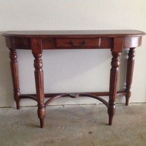 Console / Entry table for Sale in Redmond, WA