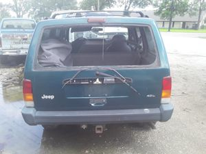 Parting out 98 Jeep Cherokee 4.0 Parts only selling parts for Sale in Houston, TX