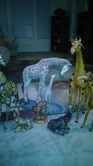 Giraffe Collectibles for Sale in Clermont, FL