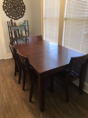 Solid wood dining room table with six chairs for Sale in St. Petersburg, FL