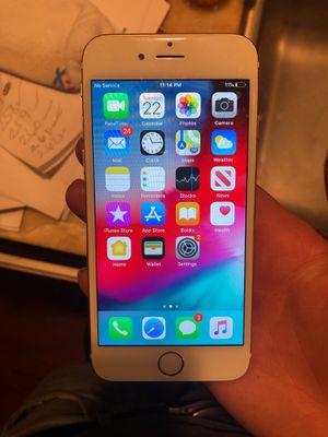 iPhone 6 or 7 s for Sale in Agua Dulce, CA