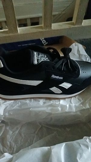 Reebok Classics. Size 8. for Sale in Baltimore, MD