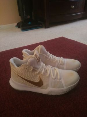Nike zoom shoes Kyrie Irving size 9 us/8 uk/42.5 for Sale in Alexandria, VA