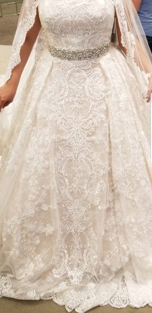 NEW Wedding dress & Veil for Sale in Houston, TX