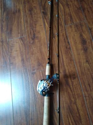 """Okuma SST rod 8'6"""" 8-17lbs test medium action with a Daiwa right handed reel. for Sale in Hillsboro, OR"""