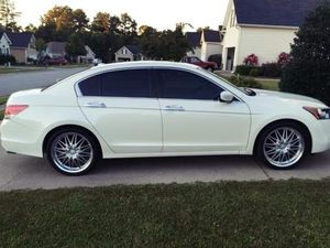 2OO8 Honda Accord Price $1OOO for Sale in Springfield, IL