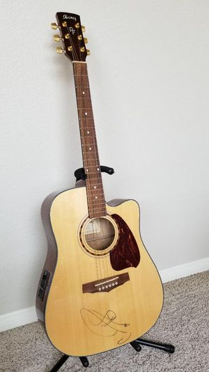 "Autographed ""Carrie Underwood"" guitar for Sale in Henderson, NV"