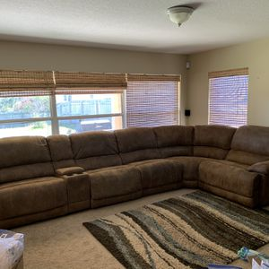 Brown Reclining Sectional Sofa for Sale in Clermont, FL