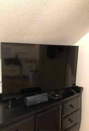 42in Vizio TV for Sale in Beaverton, OR