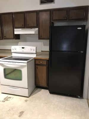 Whirlpool refrigerator, Amana electric stove, Frigidaire dishwasher, Kitchen appliances for Sale in Dallas, TX