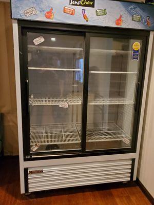 2 door glass comercial refrigerator, Everest. for Sale in Pomona, CA