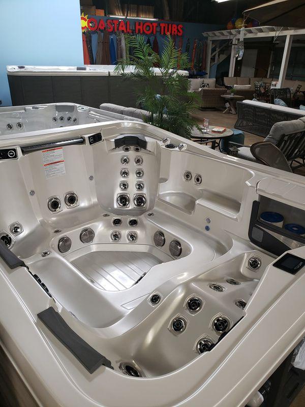 Brand new hot tub