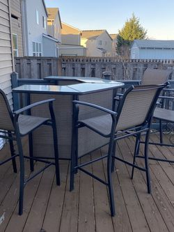 Outdoor Bar Set for Sale in Troutdale,  OR