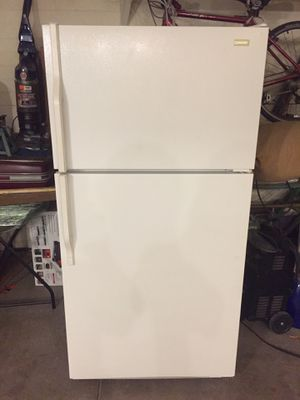 Refrigerator-standard size-with ice maker for Sale in Sun City, AZ