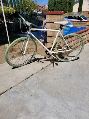 Bicycle road bike for Sale in Spring Valley, CA