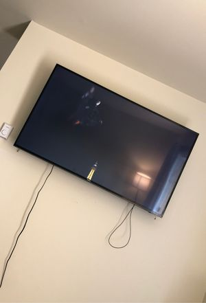 55 inch Samsung with wall mount for Sale in Bethlehem, PA