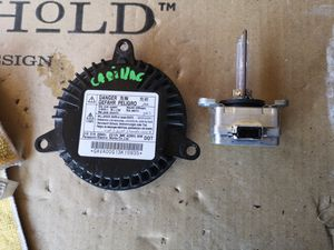 Cadillac headlight computer module with volt for Sale in Lawndale, CA