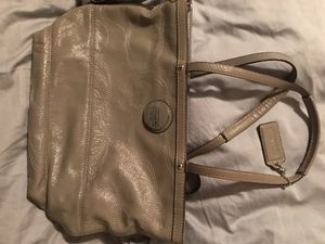 Coach Purse Grey 100% Authentic for Sale in Bakersfield, CA