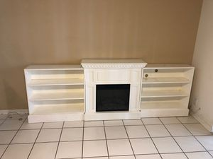 Fireplace/ entertainment center for Sale in Tamarac, FL
