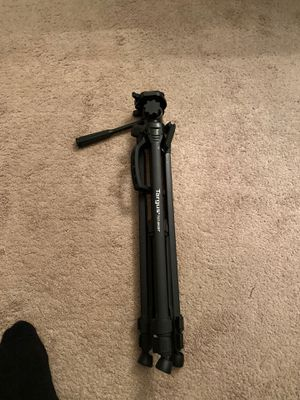 Tripod goes up to about 4 1/2 ft. for Sale in Las Vegas, NV