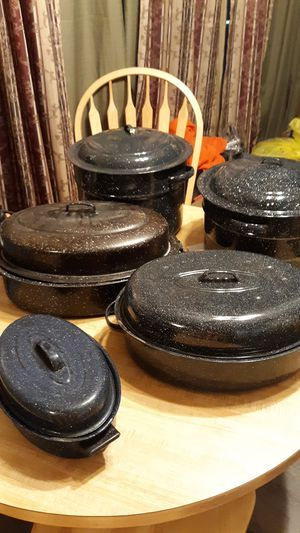 10 piece set roasters plus canning jar holders for Sale in Mesa, AZ