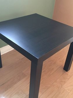 Small Table/ Night Stand / Accent Table / Coffee Table for Sale in Lemon Grove,  CA