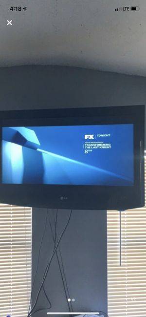 Lg 32 inch tv on swivel mount for Sale in Lighthouse Point, FL