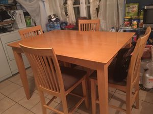Counter high table set for sale. Pine oak in very good condition minimal scratches on it minimal ok for Sale in Silver Spring, MD
