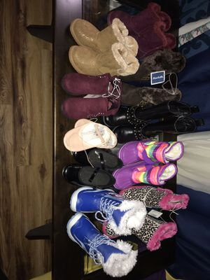 Toddler Girl winter boots Size 9&10 for Sale in Middle River, MD