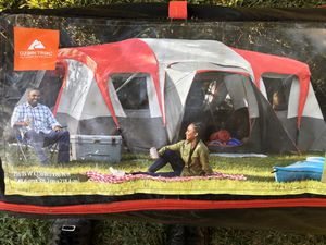 """HUGE- 16 person 3 room """"great condition """" tent for Sale in Lynwood, CA"""