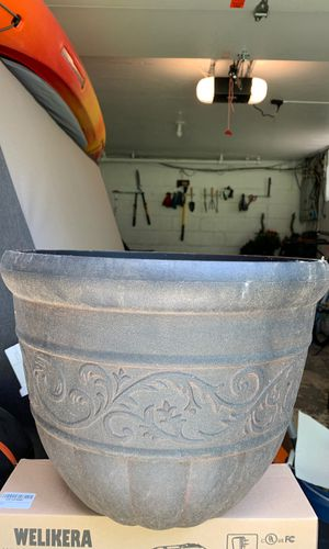 Flower Pot for Sale in Pittsburgh, PA