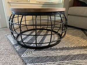 Gorgeous coffee table for Sale in Woodinville, WA