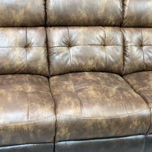 Sofa and love seat power dual recliner for Sale in Madison Heights, MI