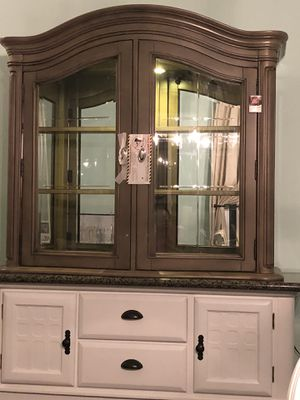 Brand new hutch top w/ touch activated lights for Sale in Corona, CA