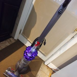 Dyson DC50 Animal upright Ball Compact Vacuum for Sale in Columbia, SC