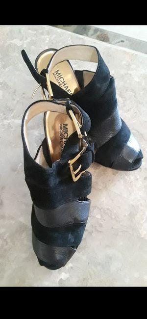 Michael Kors size 6 shoes for Sale in Pumpkin Center, CA