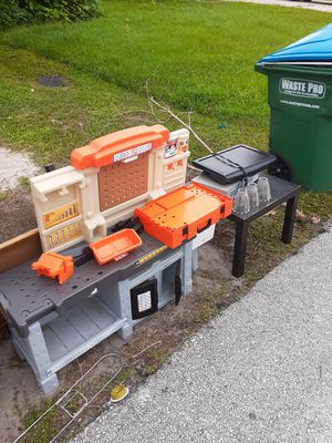 Free kids work table and small tv with dvd/VHS for Sale in Deltona, FL
