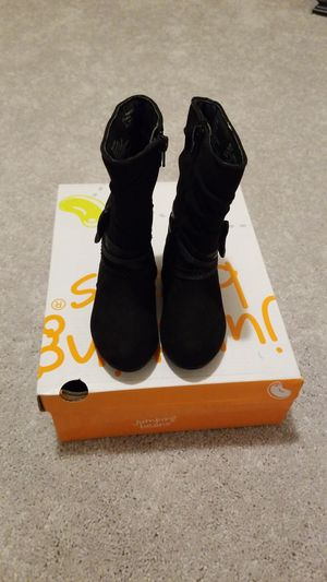 New Toddler girl boots for Sale in Charlotte, NC