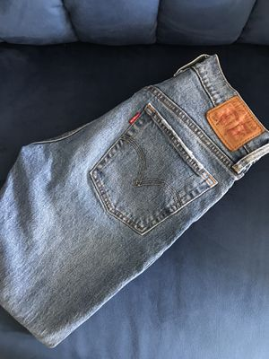 Levis jeans 501 skinny's for Sale in Detroit, MI
