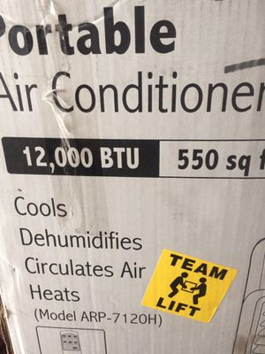 Like New Royal Sovereing portable a/c 12,000 btu with dehumidifier and heat for Sale in Columbus, OH