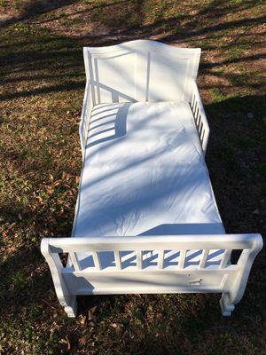 Wood toodler bed for Sale in Easley, SC