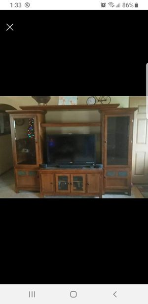 Entertainment center 5 pcs for Sale in Walbridge, OH