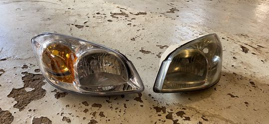 Chevrolet Cobalt Headlights OEM for Sale in Addison,  IL