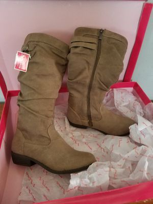 Brand new girls boots never worn paid 70 for Sale in Council Bluffs, IA