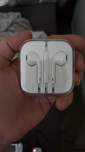 Air earbuds w/ headphone jack for Sale in Columbus, OH