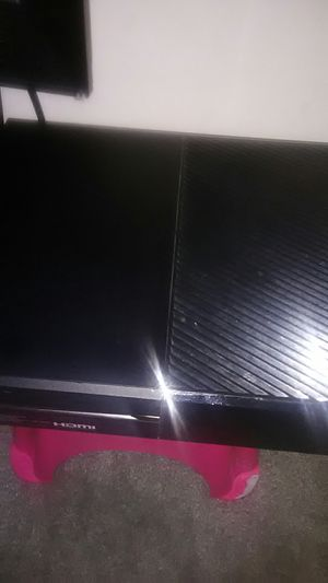 XboxOne with mic and controller and games for Sale in Columbus, OH