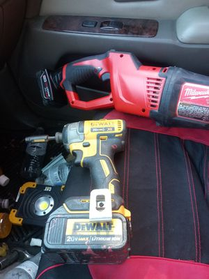 Dewalt y milwaukee y tambien tengo una escalera de 20 pies for Sale in Aspen Hill, MD