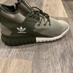 Adidas Tubular Shoes for Sale in San Diego, CA